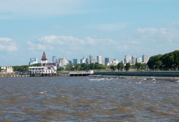 Buenos Aires - skyline dal Rio de la Plata